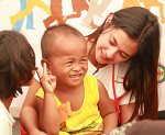 World Vision ambassador Bianca Umali visits Marawi children