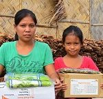 World Vision distributes relief items to Nina-affected communities