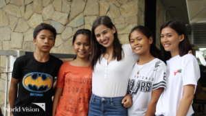 After more than five years of being a child sponsor and World Vision ambassador, award-winning actress Jasmine Curtis-Smith finally got the chance to meet four of her five sponsored children through World Vision.