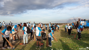Volunteers gather for World Oceans Day