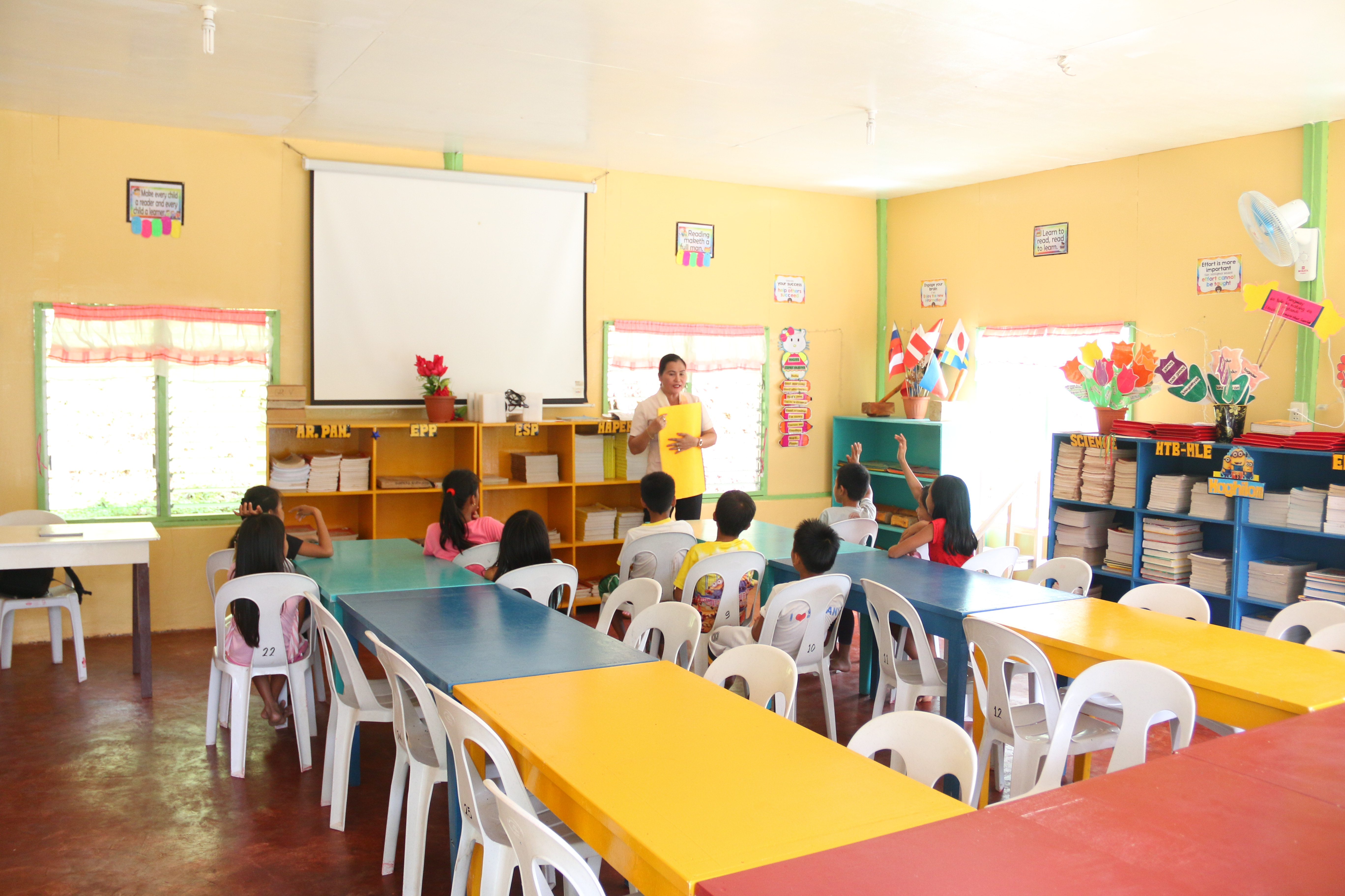 World Vision works in Zamboanga del Norte for more than 5 years already. Building classrooms, reading hubs and donating learning materials, are part of the organization's commitment to improve the reading and writing skills of students.
