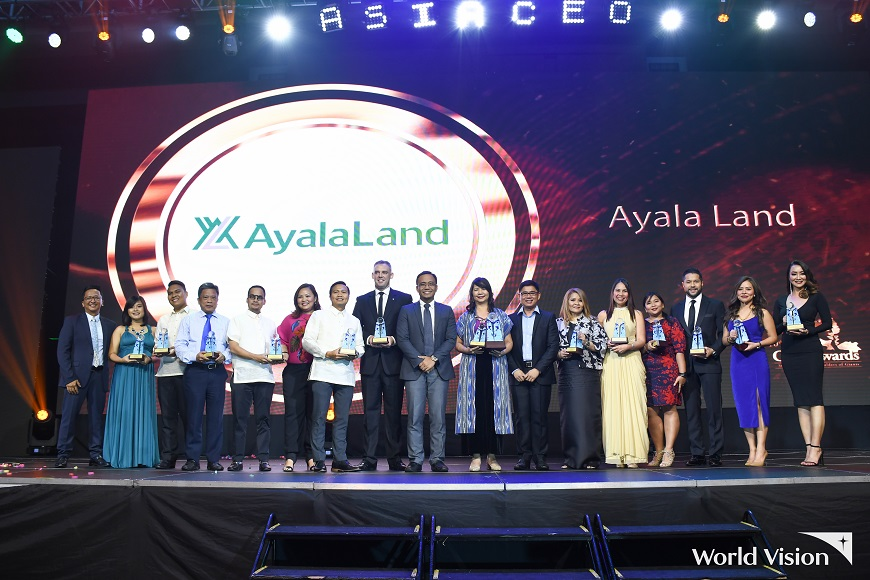 World Vision presents CSR Company of the Year award at 10th Asia CEO Awards