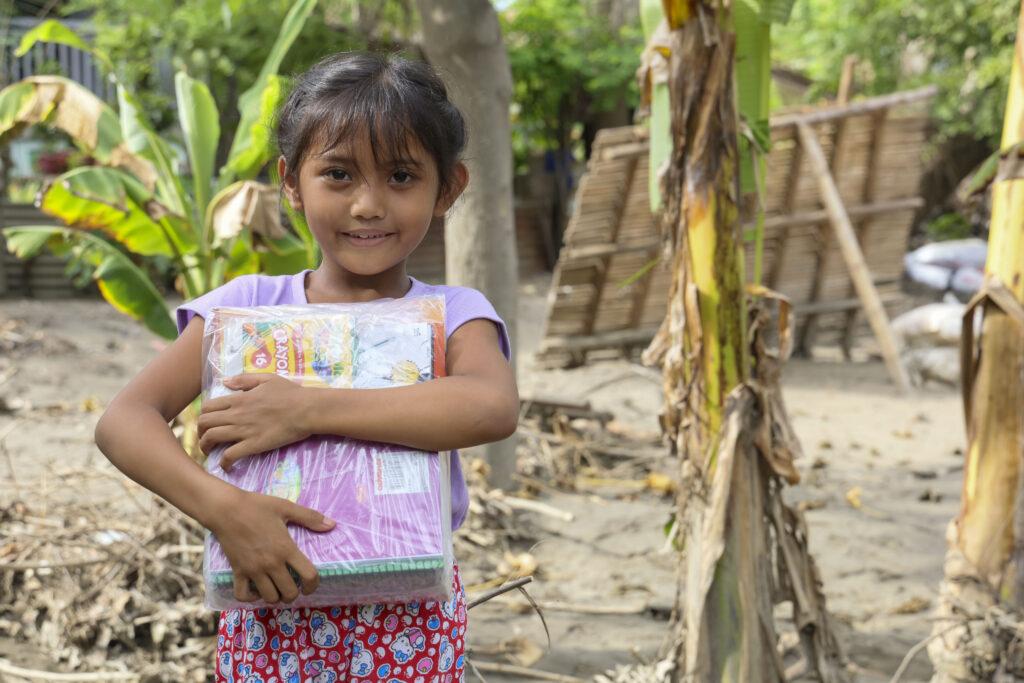 World Vision provides school kit to Mhicaela, 7